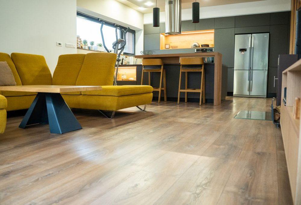 Laminátová podlaha PARADOR Dub Montana bielený - obývačka