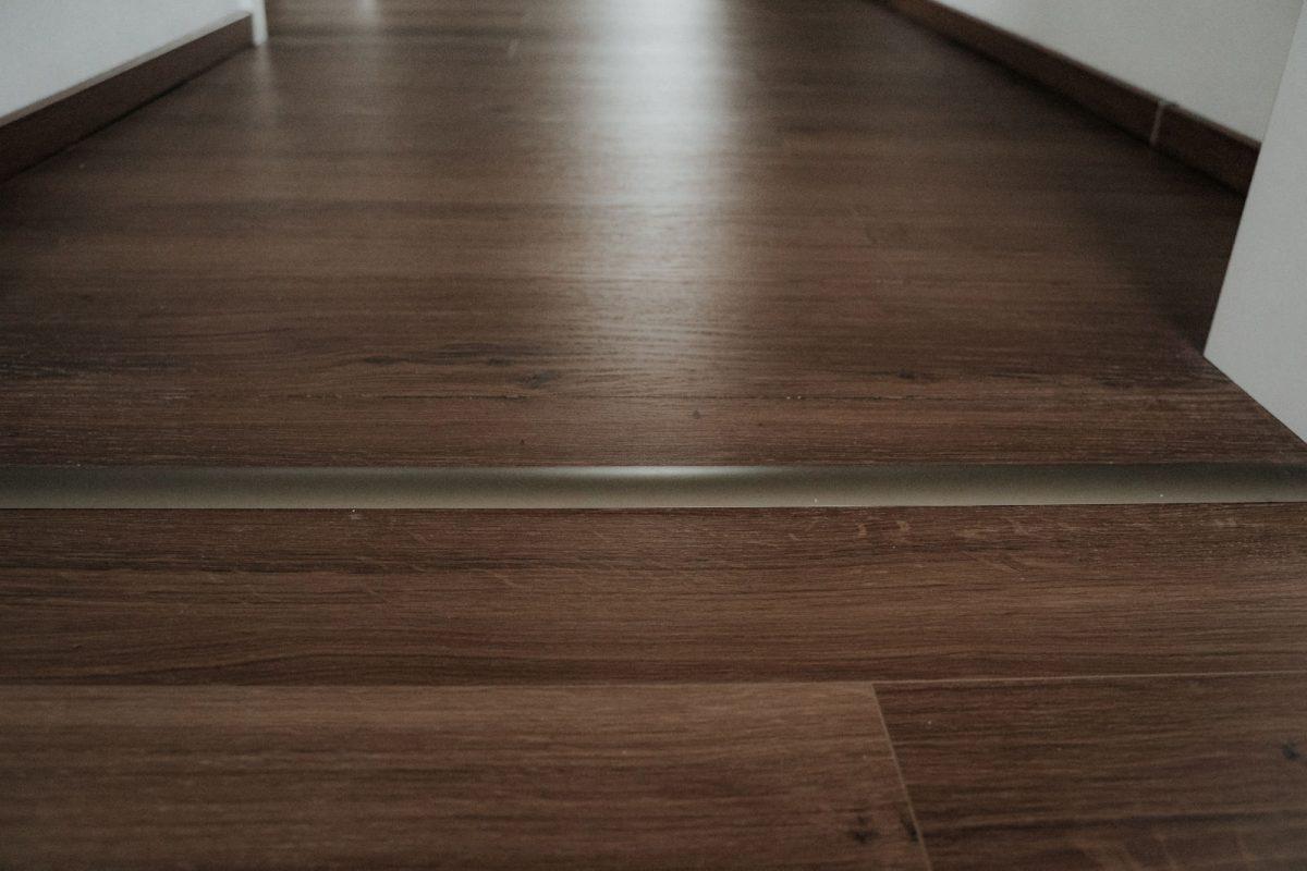 Realizácia kompozitnej podlahy Parador Modular ONE Dub Spirit dymový
